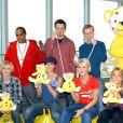 Bradley McIntosh, Jon Lee, Hannah Spearritt, Tina Barrett, Jo O'Meara, Rachel Stevens du groupe S CLub 7 lance le BBC Children In Need Donation Line, le 15 novembre 2011