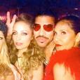 Nicole Richie fête ses 35 ans entourée de tous ses célèbres amis et son père Lionel Richie lors d'une soirée disco à l'hôtel The Standard. Image extraite d'une vidéo publiée sur Instagram le 25 septembre 2016
