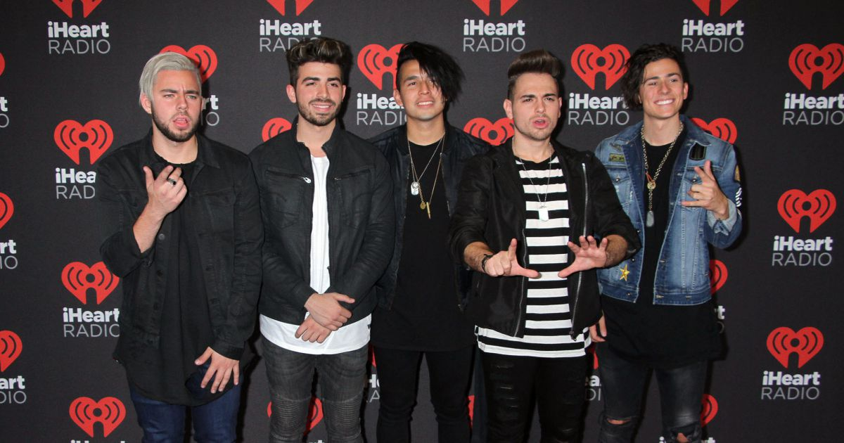 le groupe los 5 la soir e iheart radio lors du festival de musique t mobile arena las. Black Bedroom Furniture Sets. Home Design Ideas