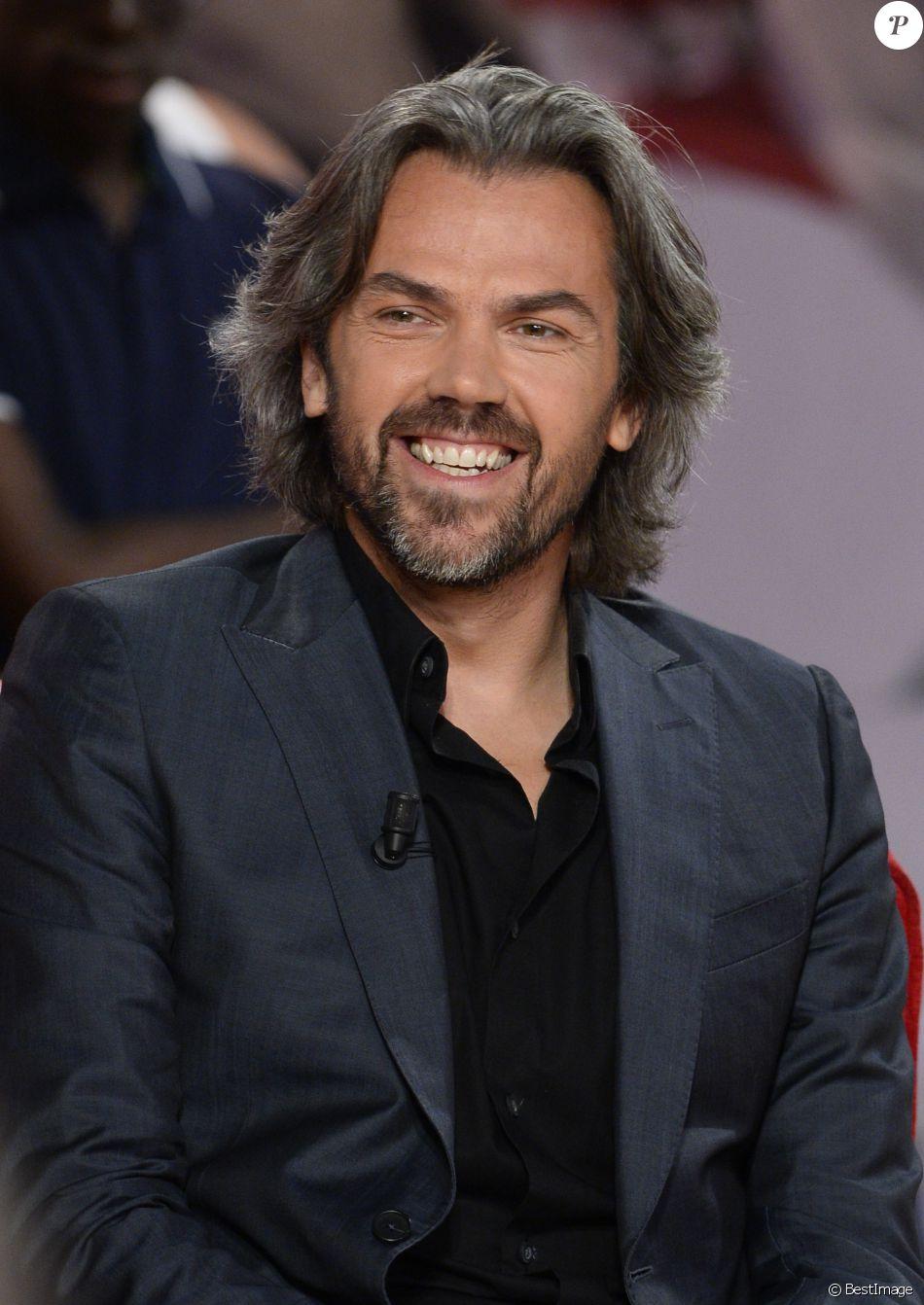"""Aymeric Caron - Enregistrement de l'émission """"Vivement Dimanche"""" à Paris le 3 septembre 2014."""