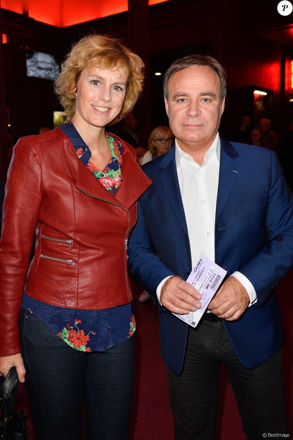 Fabien Lecoeuvre et sa compagne Anne Richard - Arrivées des people pour les  adieux de la chanteuse Isabelle Aubret sur la scène de l'Olympia à Paris le  3 octobr - Purepeople