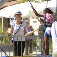 Exclusif - Heidi Klum emmène sa fille Lou Samuel à la fête foraine à Los Angeles, le 10 octobre 2016