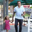 Exclusif -Dean McDermott à la sortie d'un Starbucks avec sa fille Hattie à Studio City, le 21 septembre 2016