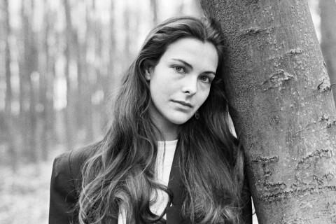 """Carole Bouquet, sa jeunesse : """"J'ai fait toutes les bêtises possibles à cet âge"""""""