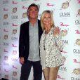 """Olivia Newton-John, John Easterling à la Soirée de présentation du nouveau spectacle de Olivia Newton-John """"Summer Nights"""" à Las Vegas, le 12 avril 2014."""