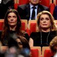 Chiara Mastroianni et Catherine Deneuve lors de la remise du Prix Lumière 2016 à Catherine Deneuve durant le 8ème Festival Lumière à Lyon, le 14 octobre 2016