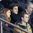 Anouchka Delon et son compagnon Julien Dereims - People au match de Ligue des champions Psg - Bale au Parc des Princes à Paris le 19 octobre 2016. © Cyril Moreau/Bestimage