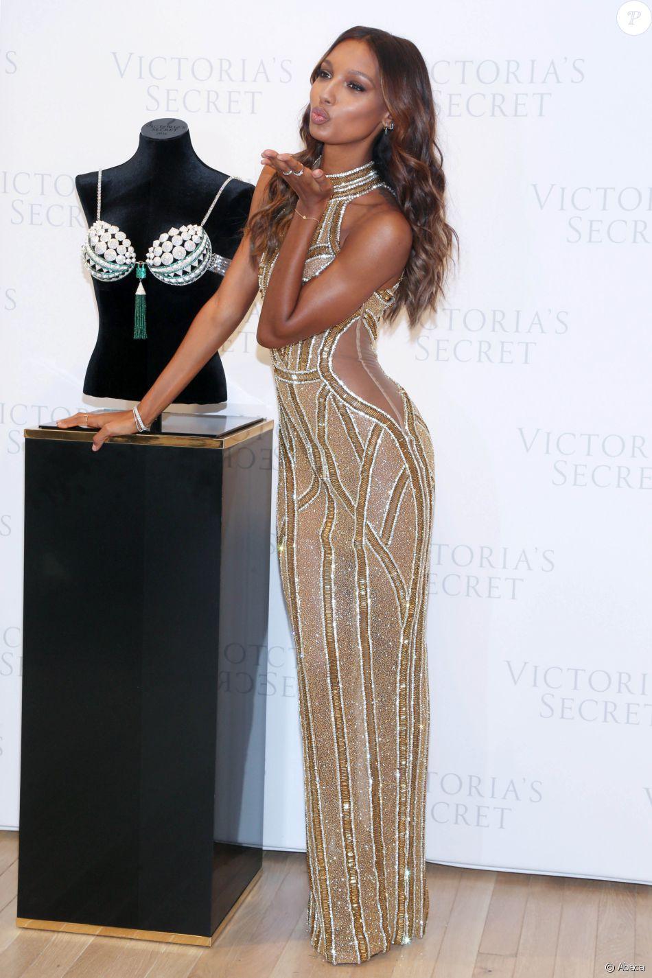 Jasmine Tookes, Ange Victoria's Secret, lors de la présentation du Fantasy Bra à New York le 26 octobre 2016.
