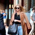 Rosie Huntington-Whiteley quitte son hôtel à New York le 16 septembre 2016.
