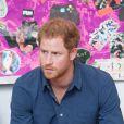 Le prince Harry visite un studio d'enregistrement à Nottingham le 26 octobre 2016.