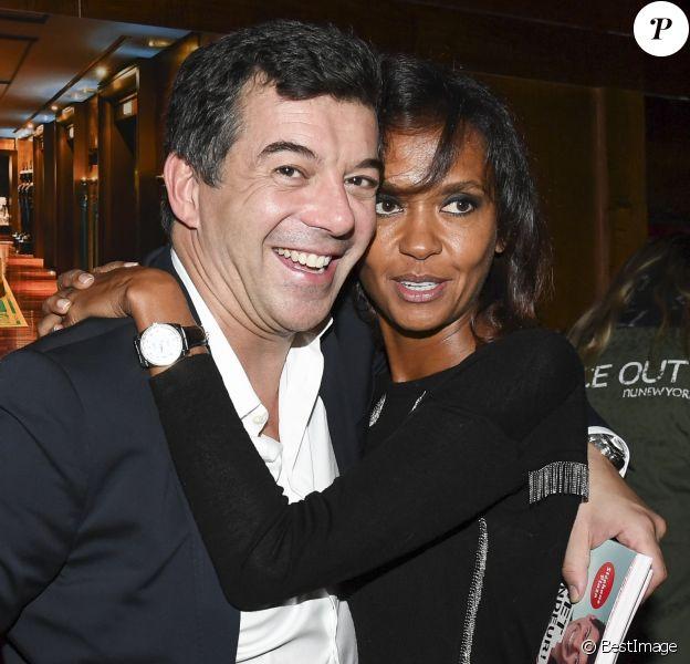 """Stéphane Plaza pose avec Karine Le Marchand pour le lancement de son livre """"Net Vendeur"""" (éditions Cherche Midi) au Buddha Bar à Paris, France, le 9 novembre"""