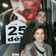 Carole Amiel avec son fils Valentin Livi (fils d'Yves Montand) lors de l'hommage à Yves Montand '' 25 ans déjà'' à la Grande Roue place de la Concorde à Paris, le 11 novembre 2016. © JLPPA/Bestimage11/11/2016 - Paris