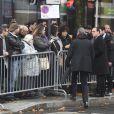 François Hollande, président de la République et Didier Paillard, maire de Saint-Denis lors de l'hommage aux victimes des attentats du 13 novembre 2015 devant le Stade de France à Saint-Denis, le 13 novembre 2016. Une plaque en hommage à la victime Manuel Dias a été dévoilée.