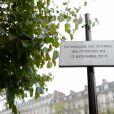 Une plaque au Comptoir Voltaire dévoilée le 13 novembre 2016