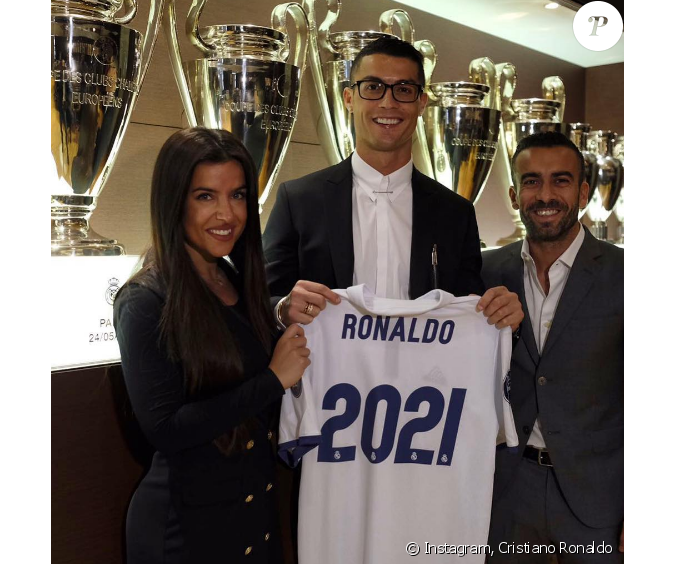 cristiano ronaldo prolonge son contrat avec le real madrid jusqu 39 en 2021. Black Bedroom Furniture Sets. Home Design Ideas