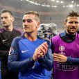 Hugo Loris, Antoine Griezmann et Yohan Cabaye - Match de quart de finale de l'UEFA Euro 2016 France-Islande au Stade de France à Saint-Denis le 3 juillet 2016.