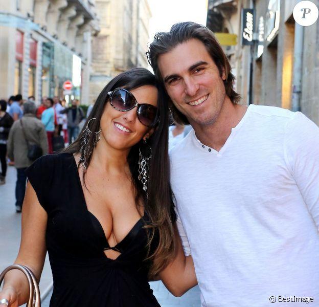 Exclusif - Claudia Romani et son petit-ami Kevin Gleizes (tous deux éliminés de Secret Story 9) sont venus passer quelques jours à Bordeaux, le 23 septembre 2015