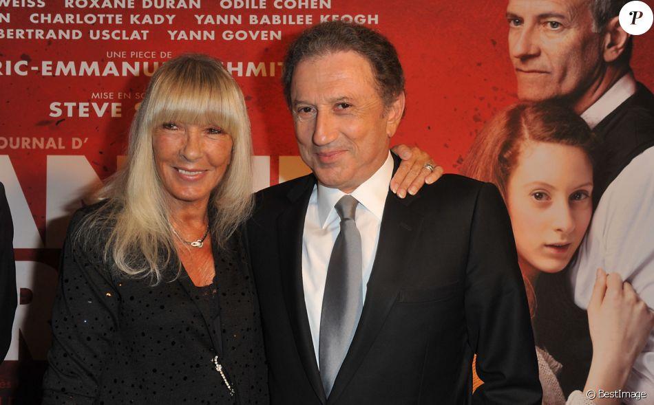 Michel drucker fete ses 70 ans au theatre et sa femme - Eric emmanuel schmitt et sa compagne ...
