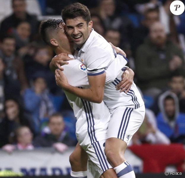 Enzo Zidane jubile après son but sous les couleurs du Real Madrid au stade Santiago Bernabeu de Madrird le 30 novembre 2016