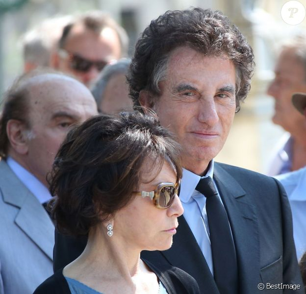 Jack Lang et sa femme Monique - Obsèques de Valérie Lang au cimetière du Père Lachaise à Paris. Le 25 juillet 2013