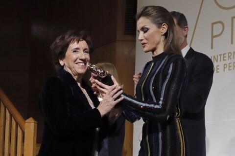 Letizia d'Espagne : En transparence, en cuir ou très maquillée, fin d'année sexy