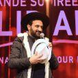 Exclusif - Cyril Hanouna a emprunté un chapeau à un Rabbin - Concert de solidarité de l'appel national pour la Tsédaka (Solidarité de la Communauté Juive de France envers les israélites et non israélites démunis) au Palais des Sports à Paris le 12 décembre 2016. Chaque année, l'Appel national pour la tsédaka mobilise dans un même élan de générosité, l'ensemble de la communauté juive de France pour soutenir des programmes sociaux. © Erez Lichtfeld/Bestimage