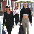 Exclusif - Lisa Rinna et sa fille Delilah Hamlin vont faire du shopping à la sortie de leur cours de gym dans le quartier Beverly Hills à Los Angeles, Californie, Etats-Unis, le 16 novembre 2016.