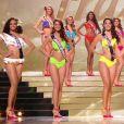 Les cinq finalistes.   Concours Miss France 2017. Sur TF1, le 17 décembre 2016.