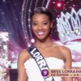 Miss Lorraine : Justine Kamara - Les cinq finalistes défilent en robe de réveillon.   Concours Miss France 2017. Sur TF1, le 17 décembre 2016.