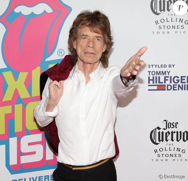 """Mick Jagger - Ouverture de l'exposition """"Rolling Stones Exhibitionism"""" à l'Industria Superstudio à New York le 15 novembre 2016."""