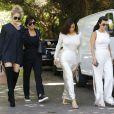 Kim, Kourtney, Khloé Kardashian et leur mère Kris Jenner à Woodland Hills le 5 aout 2016.