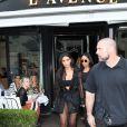 Kim Kardashian quitte le restaurant l'Avenue à Paris le 28 septembre 2016. © Cyril Moreau / Bestimage