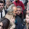 Albert Koski et Christopher Thompson - Sorties des obsèques de Michèle Morgan en l'église Saint-Pierre de Neuilly-sur-Seine. Le 23 décembre 2016