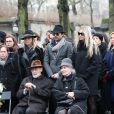 Paul Roussel (le frère de Michèle Morgan), Hélène Roussel (la soeur de Michèle Morgan), Sarah Marshall, William Marshall et Déborah Marshall lors des obsèques de Michèle Morgan, enterrée au côté de son compagnon Gérard Oury, au cimetière du Montparnasse. Paris, le 23 décembre 2016.