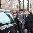 Sarah Marshall, William Marshall, Charlotte Messica (arrière petite-fille de Michèle Morgan) et Isabelle, lors des obsèques de Michèle Morgan,enterrée au côté de son compagnon Gérard Oury, au cimetière du Montparnasse. Paris, le 23 décembre 2016.