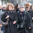 Hélène Roussel (la soeur de Michèle Morgan) et Paul Roussel (le frère de Michèle Morgan) lors des obsèques de Michèle Morgan,enterrée au côté de son compagnon Gérard Oury, au cimetière du Montparnasse. Paris, le 23 décembre 2016.