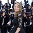 """Julie Ferrier - Montée des marches du film """"Julieta"""" lors du 69e Festival International du Film de Cannes. Le 17 mai 2016. © Olivier Borde-Cyril Moreau/Bestimage"""