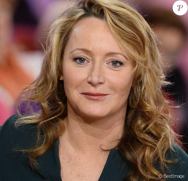 """Julie Ferrier - Enregistrement de l'émission """"Vivement Dimanche"""" à Paris le 11 Fevrier 2015."""