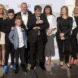 """Paul Gascoigne, en famille, assiste à la première du documentaire """"Gascoigne"""", qui retrace sa vie de footballeur, à Londres, le 8 juin 2015"""