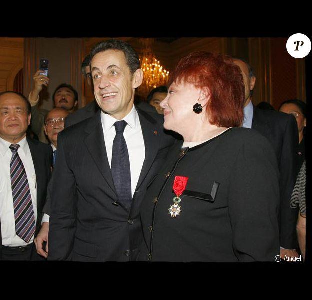 Régine promue officier de la Légion d'honneur par Nicolas Sarkozy à l'Elysée le 18/12/08