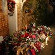 Des fleurs devant la porte de George Michaels à Goring, le 26 décembre 2016.