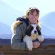 Carole, 48 ans, est éleveuse de chiens saint-bernard en région PACA et a 6 enfants.