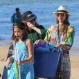 """""""Jessica Alba profitant d'une journée à la plage avec ses deux filles, à Hawaï le 1er janvier 2017"""""""