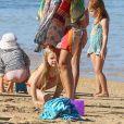 Jessica Alba profitant d'une journée à la plage avec ses deux filles, à Hawaï le 1er janvier 2017