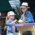 Exclusif - Jessica Alba en famille avec son mari Cash Warren et ses filles Honor et Haven profitent de leur journée à Hawaï le 30 décembre 2016