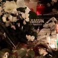 Recueillement devant les locaux Charlie Hebdo, 10 de la rue Nicolas-Appert à Paris, le 7 janvier 2016, jour pour jour un an après l'attentat au siège de Charlie Hebdo, qui a fait 11 victimes.