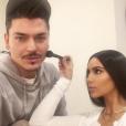 Kim Kardashian prépare son séjour à Dubaï avec le maquilleur Mario Dedivanovic. Photo publiée sur Instagram le 9 janvier 2016