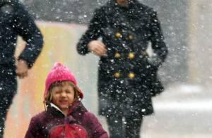 PHOTOS : Matilda, la fille d'Heath Ledger, trop craquante sous la neige avec sa maman...