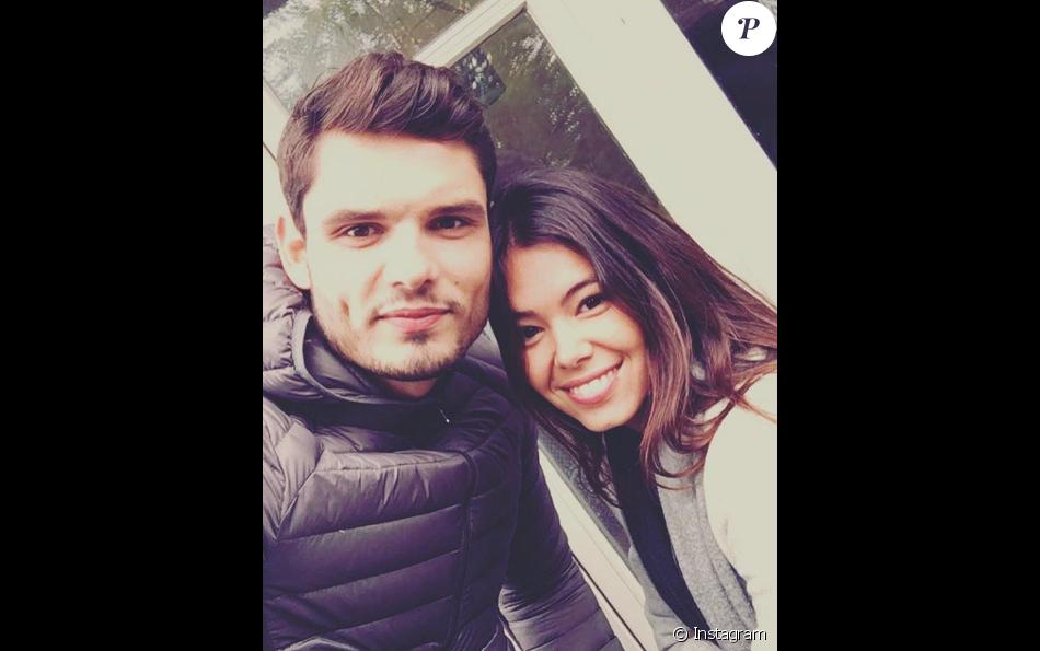 Florent Manaudou a partagé un selfie avec sa compagne Ambre Baker sur Instagram le 8 janvier 2017.
