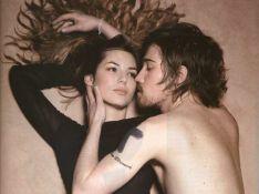 PHOTO : Julien Doré... tout nu dans les bras de Louise Bourgoin !